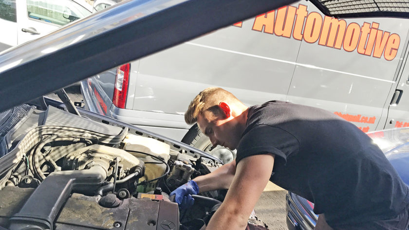 Is It Better To Opt For A Windshield Repair Or Replacement?