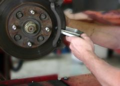 Simple Ways To Tell Your Brakes Need Repairs